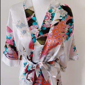 "Beautiful ""satin"" style japan designed  Robe"